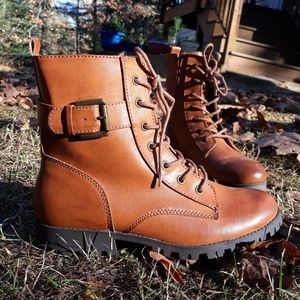 New Lace-Up Boots